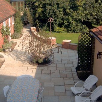 Courtyard garden in Coltishall